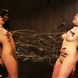 2 girls tortued in live BDSM event.
